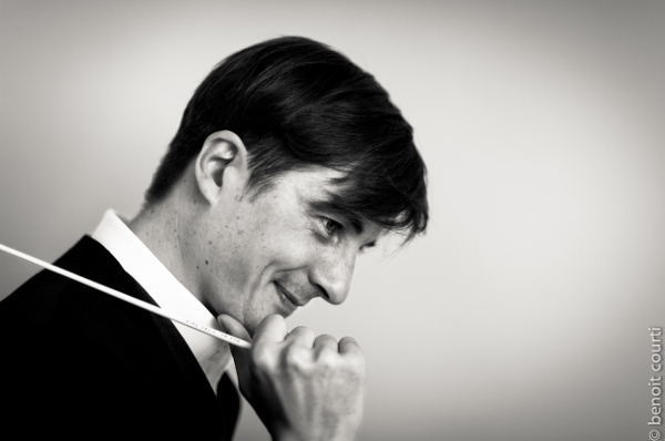 Nicolas André, chef d'orchestre (photo : Benoit Courti)